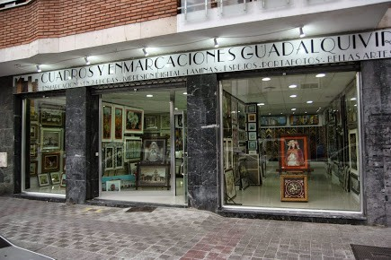 CUADROS Y MOLDURAS GOMEZ S.L.U ( FABRICA, ALMACÉN Y TIENDA AL POR MAYOR Y PUBLICO )